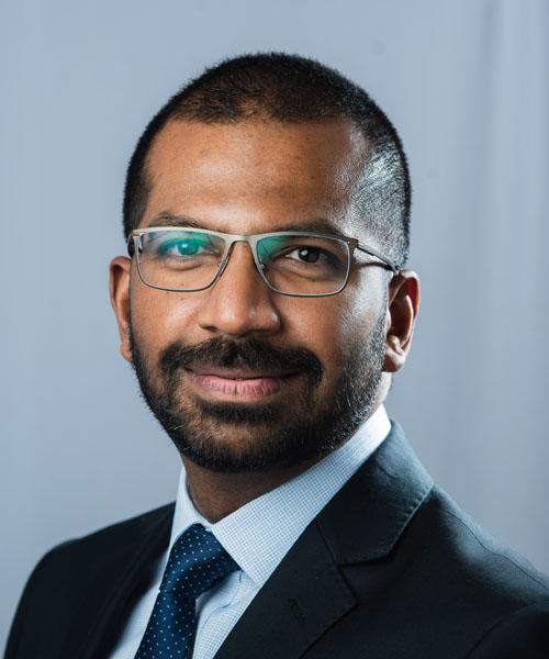 Dev Mahadevan consultant orthopaedic surgeon reading berkshire